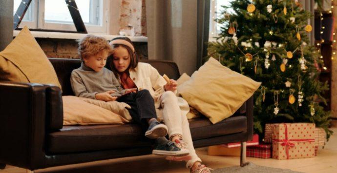 A tavola col telefonino per sentirsi un pò a casa: il Natale dei fuorisede lontani dalla Calabria