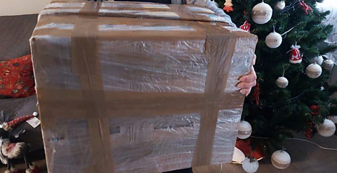 L'attesa per il pacco da giù: cronaca semiseria di chi non può rientrare per Natale