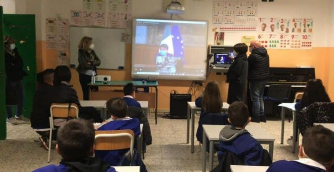 Covid 19, sospetta positività per due alunni della scuola primaria De Maria di Vibo Marina