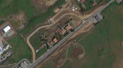 Quattro curve di vergogna intorno al cantiere del nuovo ospedale: emblema del fallimento vibonese