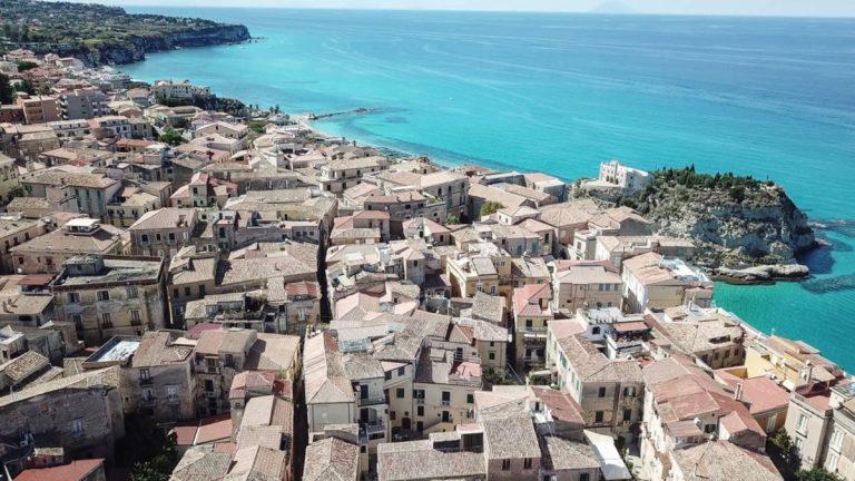 «Colpa del sindaco Macrì se Tropea non è stata scelta come Capitale della cultura»