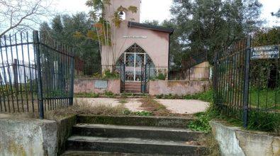 Mileto, i cinquestelle ripuliscono il tempietto della Madonna della Guardia