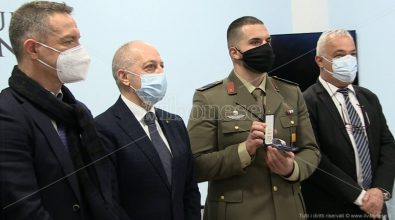 Giornata della memoria, medaglia d'onore al nipote di un deportato vibonese nei lager nazisti – Video