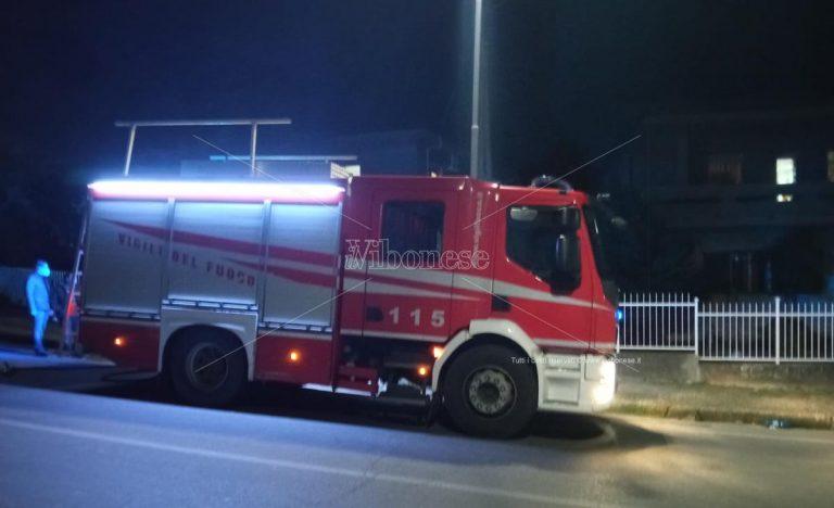 Vigili del fuoco evitano incendio del tetto in un'abitazione di Paravati