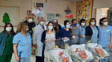 La Befana dei vigili del fuoco non dimentica la Pediatria di Vibo – Video