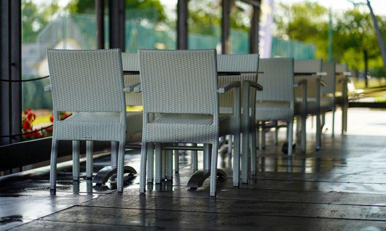 """Zona gialla, buona notizia con beffa per bar e ristoranti: si parte da lunedì, """"bruciata"""" la domenica"""