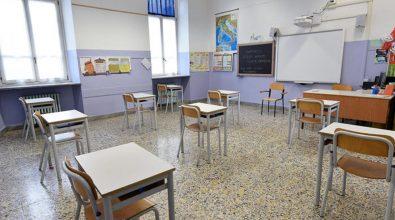 Scuola, dal 26 tutti in classe ma restano le incognite legate a trasporti e sovraffollamento