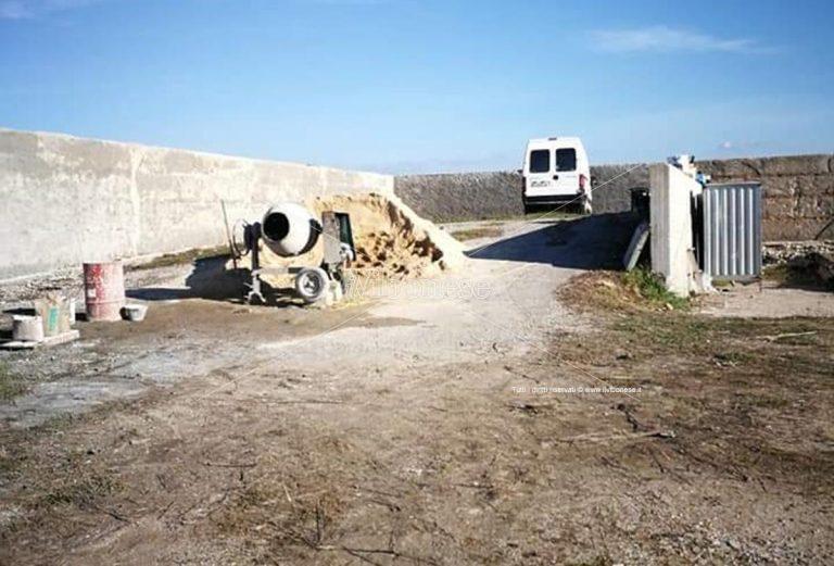 Mileto, raid criminale nel cantiere dell'isola ecologica