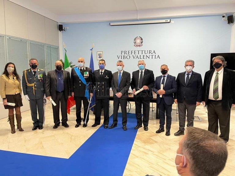Vibo Valentia, i nove insigniti con le onorificenze al merito della Repubblica Italiana