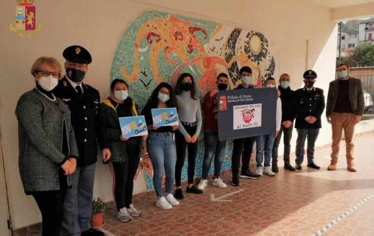 Bullismo e cyberbullismo, la Polizia incontra gli studenti di Tropea