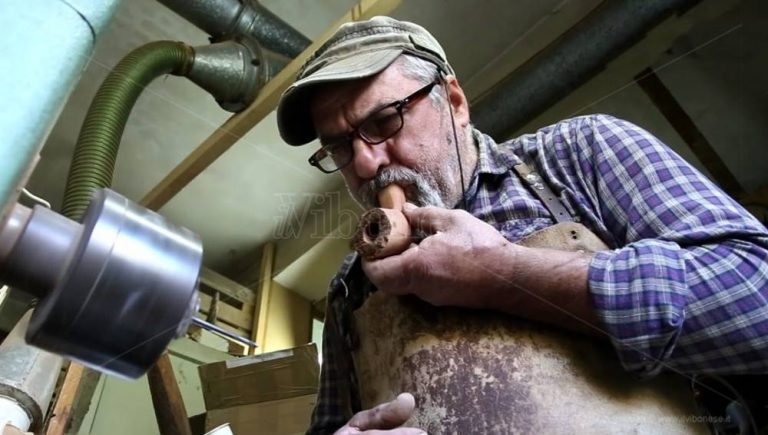 Le pipe di Brognaturo: piccolo grande tesoro dell'artigianato vibonese