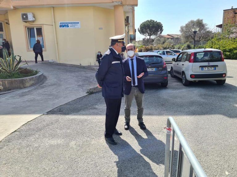 Agente municipale aggredito a Mileto: «Servono regole su come trattare soggetti difficili»