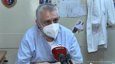 """Bambini """"prigionieri"""" del virus, il pediatra: «Prostrazione psicologica più pericolosa del Covid» -Video"""