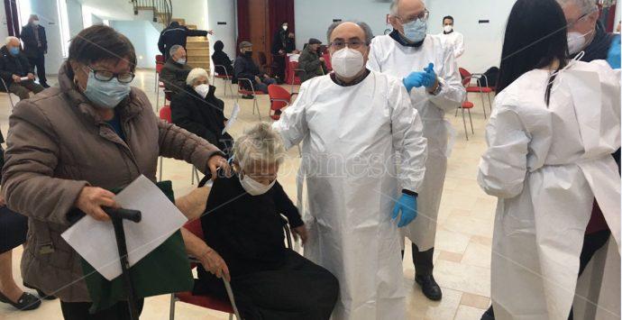 Vaccinazione agli over 80, oggi è stata la volta di Rombiolo