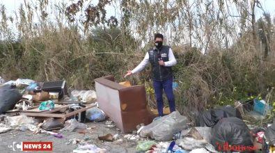 Rifiuti ovunque: l'Inviato speciale di LaC Tv squarcia il velo sulla vergogna del Vibonese – Video
