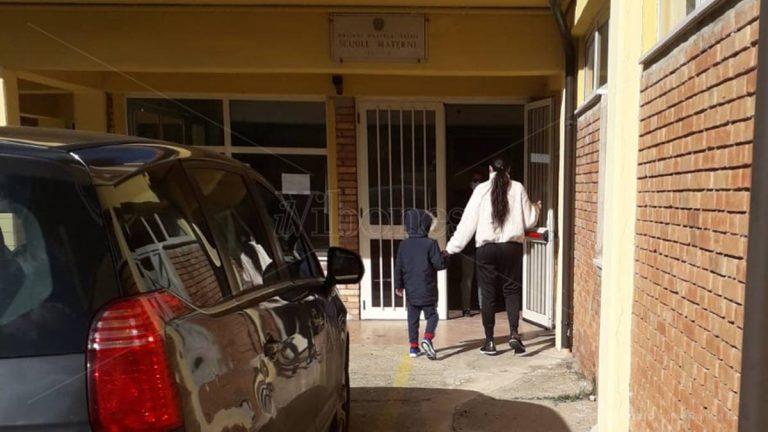 Il vaccino mette ko bidelli e insegnanti, la scuola dell'Infanzia di Pizzo resta chiusa