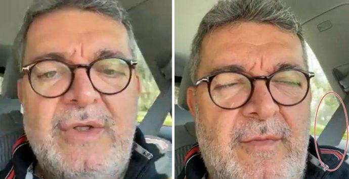 In auto senza cintura: Spirlì cancella dai social il video dove bastonava chi lo critica