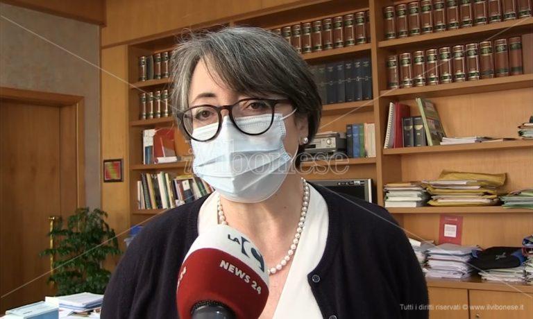 Vaccini, l'Asp di Vibo: «Sono 3200 le dosi di AstraZeneca in frigo»