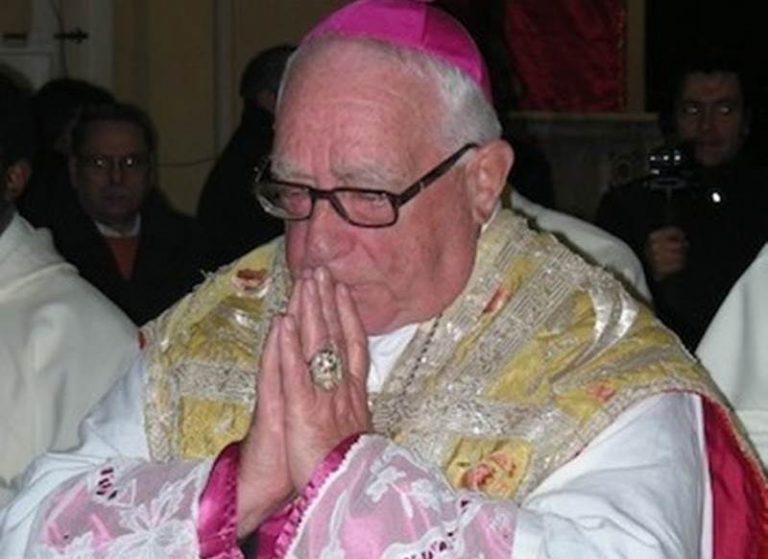"""Mileto, sarà intitolata al vescovo Cortese la piazza antistante al santuario de """"La Cattolica"""