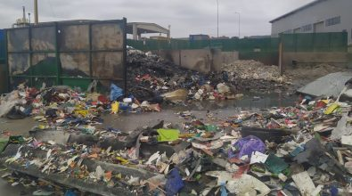 Incendio a San Nicola da Crissa, l'Arpacal: «Evitare il consumo di ortaggi»