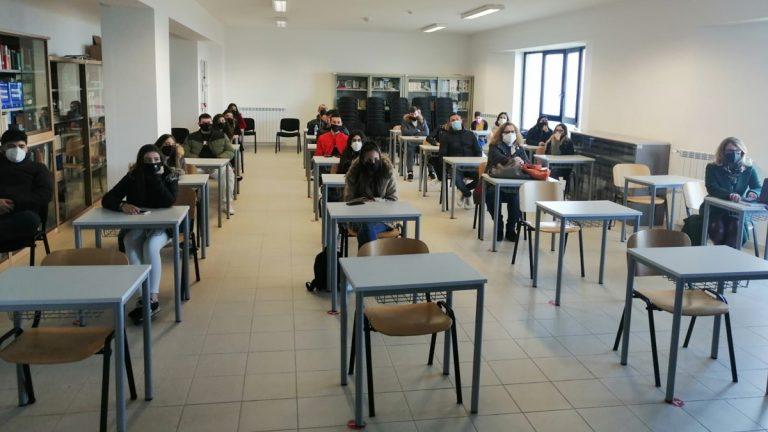 Gli studenti dell'istituto Alberghiero di Vibo a lezione con il Nil dei carabinieri
