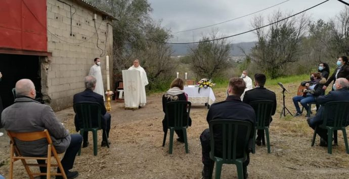 Libera, a Limbadi la messa di Pasqua celebrata su un terreno confiscato alla 'ndrangheta