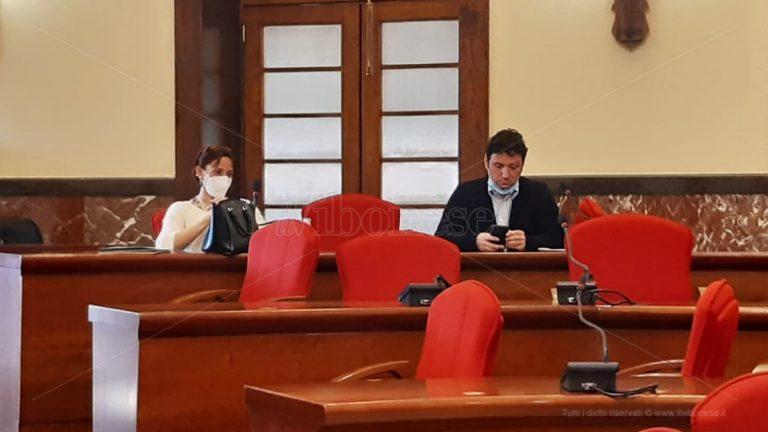 Short list, lo scontro arriva in Commissione: scintille in aula