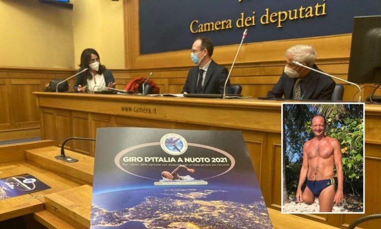 La tappa Tropea-Capo Vaticano nel giro d'Italia a nuoto dell'atleta senza una gamba