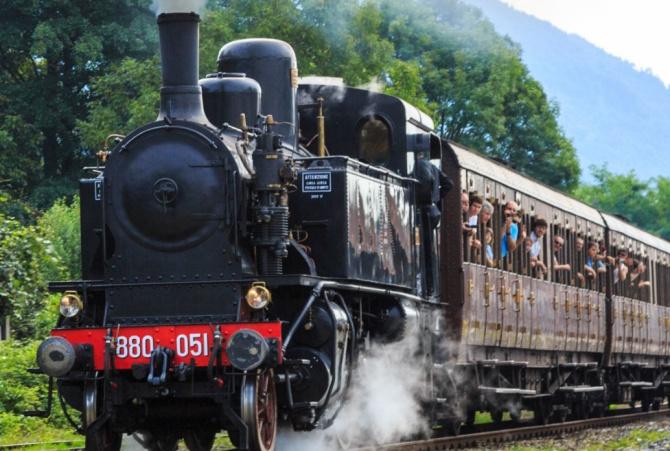 In treno a vapore lungo la Costa degli dei e la Costa viola: si lavora al progetto