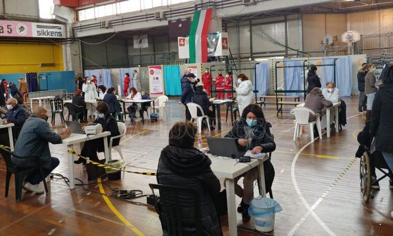 Al via il primo dei quattro Vax day: tre i centri vaccinali attivi nel Vibonese