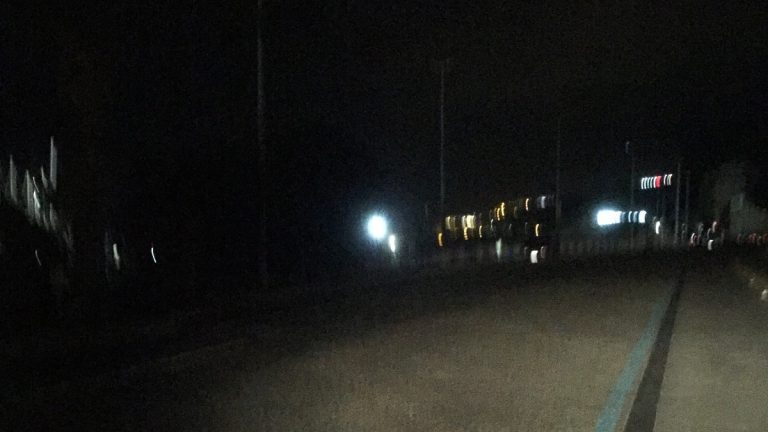 Il dipendente comunale va in pensione, via Emilia resta al buio