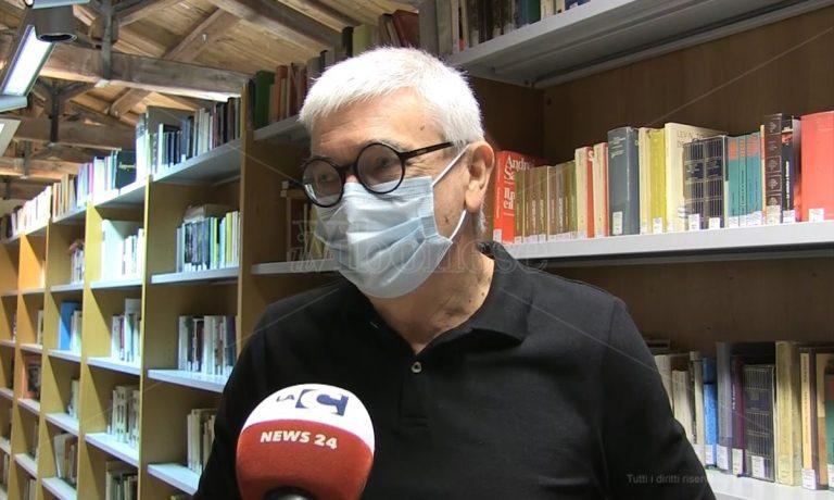 """""""Ambasciatore della lettura"""" ma rischia di restare senza… ambasciata -Video"""
