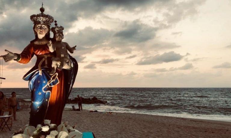 Festa della Madonna di Porto Salvo, niente processione e i fedeli si ritrovano in preghiera