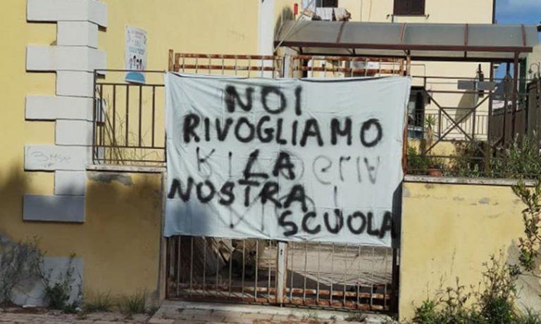 """«Rivogliamo la nostra scuola», appello per la riapertura della """"Presterà"""" di Vibo Marina"""