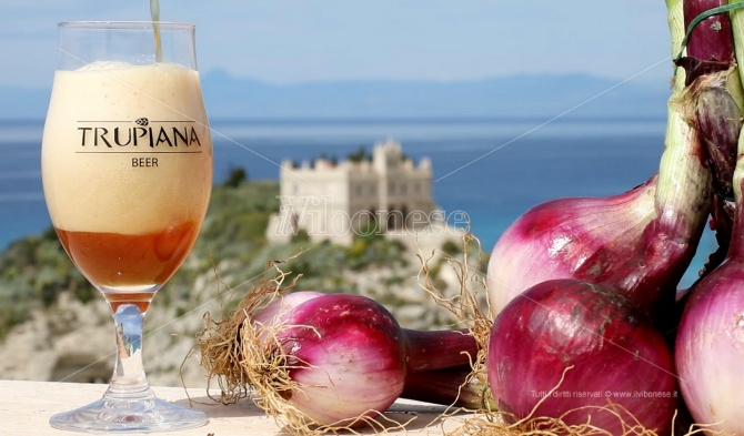 La birra alla cipolla di Tropea: l'invenzione di Antonio grazie alla ricetta del nonno -Video