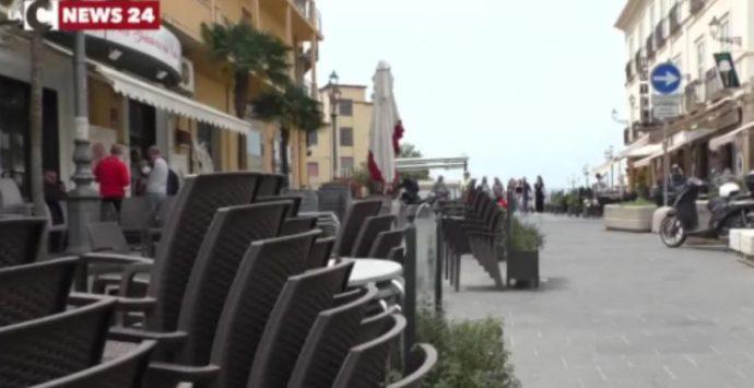 Pizzo, Primo maggio amaro nella città del gelato: c'è chi arriva da Napoli e trova (quasi) tutto chiuso – Video