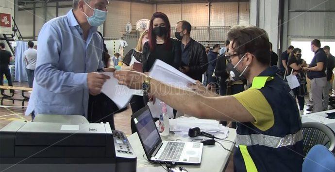 Il certificato vaccinale vale come Green pass che in Calabria ancora non c'è -Video