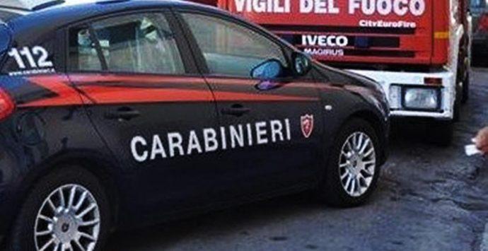 Furto in appartamento in pieno giorno a Pizzo, indagano i carabinieri