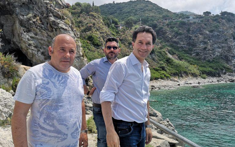 Sopralluogo di Pitaro sul lungomare di Coccorino: «Si metta subito in sicurezza»