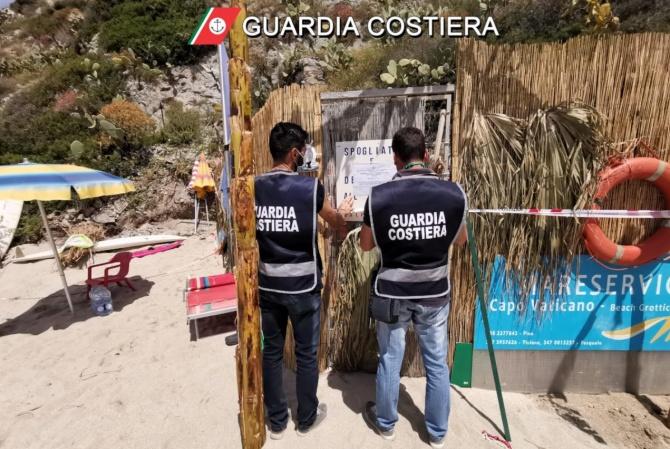 Spiaggia di Grotticelle: sigilli a un manufatto abusivo, una denuncia