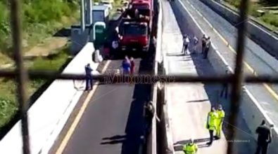 Incidente sull'A2 fra Pizzo e Lamezia, morto operaio addetto alla manutenzione -Video