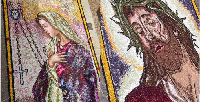 Un bellissimo tappeto di fiori, fede e arte a Potenzoni per l'Infiorata -Foto