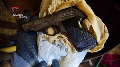 Pistola in un deposito di attrezzi agricoli, un arresto a Nicotera -Video