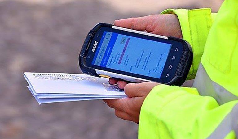 Il postino diventa digitale, a Vibo e Catanzaro attivati 220 palmari