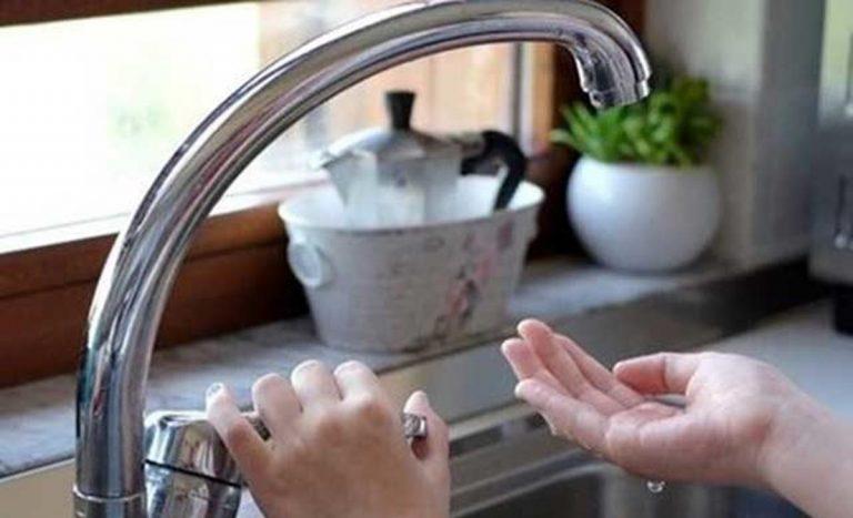 Vibo, riparata la condotta. Il sindaco: «Presto l'acqua in tutta la città»