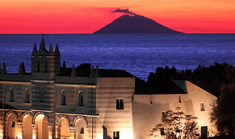 """Tropea e la """"Notte romantica"""", fra musica, arte e spettacolo nel più bel borgo d'Italia"""