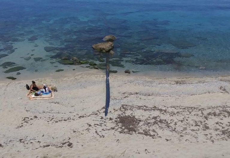 Condotta di scarico delle acque reflue ancora a galla a Santa Maria di Ricadi – Video