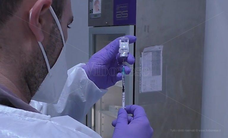 Vax day, a Zungri vaccini Pfizer e Moderna per i partecipanti