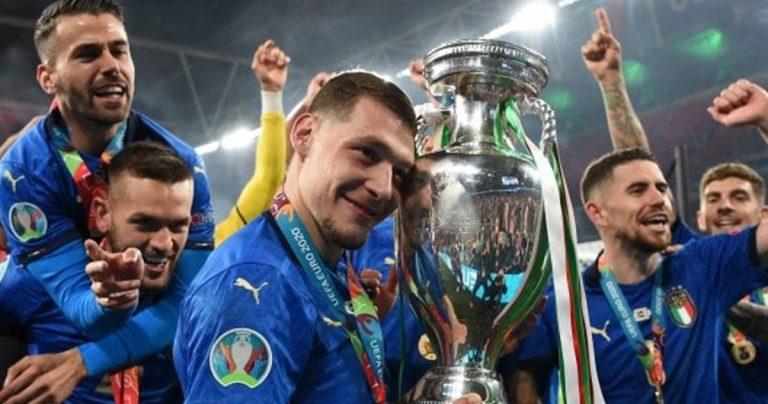 Italia campione d'Europa 2021, pure a Vibo esplode la gioia dei tifosi-Video
