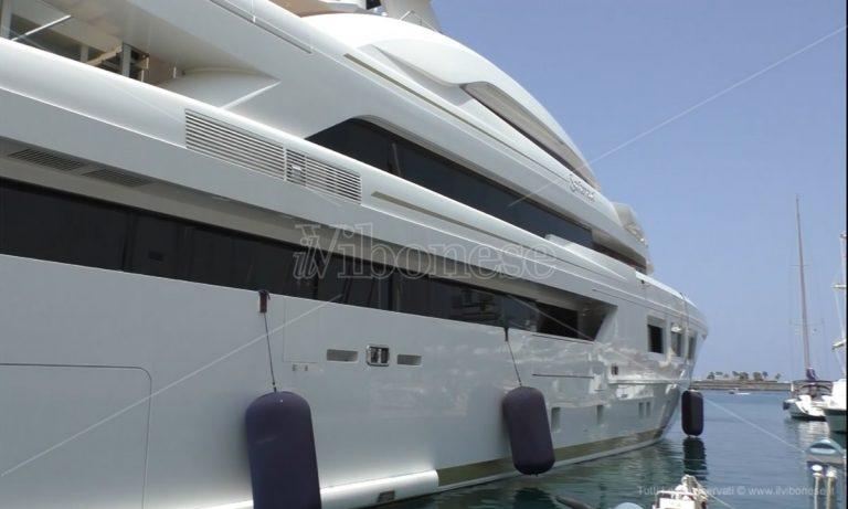 Vibo Marina, il Covid non ferma le imbarcazioni di lusso -Video